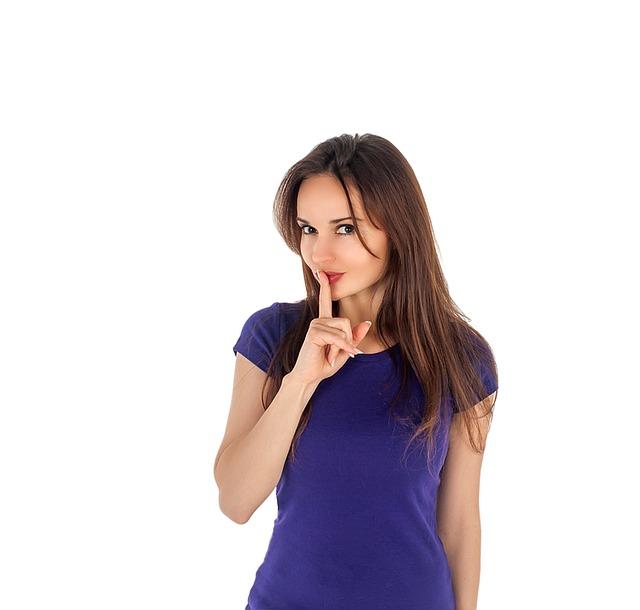 הזמנת חשפנים למסיבת רווקות, לספר או לשמור בסוד?
